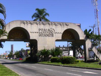 Portal na entrada da Praia Grande